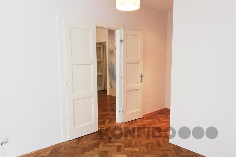 Bratislava 07 Konfido Stare Mesto Povraznicka izba s pohladom na vstup do dalsej izby