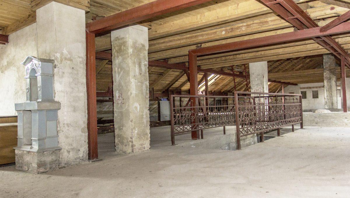 Modra 31 mestiansky dom na namesti pohlad na otvoreny priestor zrekonstruovaneho podkrovia mestianskeho domu