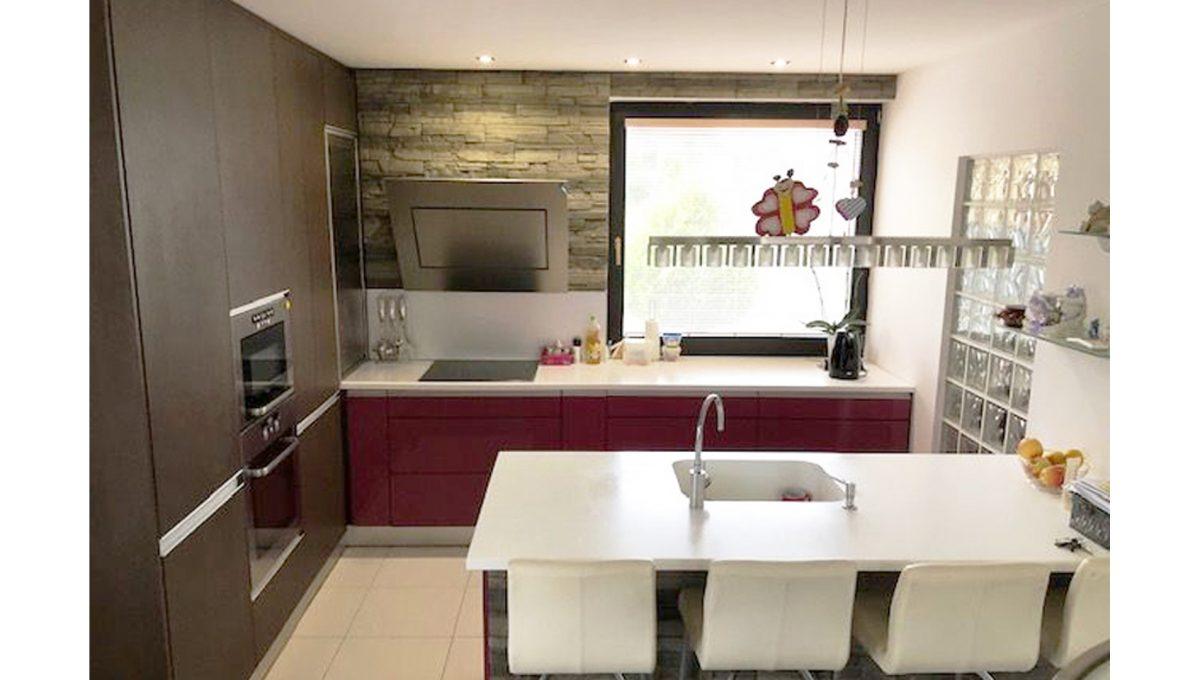 Senec 01 4-izbovy rodinny dom kuchyna kuchynska linka 1