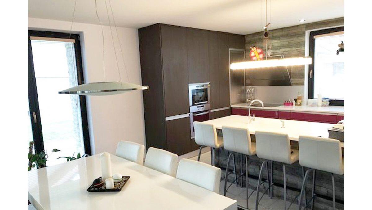 Senec 02 4-izbovy rodinny dom kuchyna jedalen kuchynska linka 2