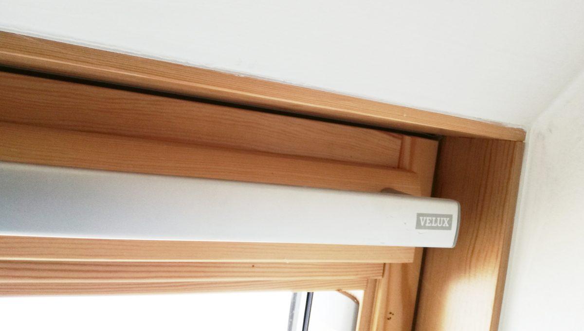 Senec-08-Vajanskeho-ulica-rodinny-dom-pred-dokoncenim-pouzite-stresne-okno-velux