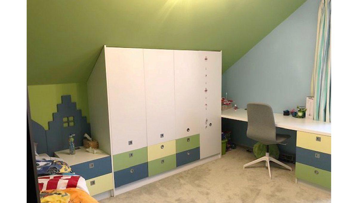 Senec 10 4-izbovy rodinny dom detska izba skrina