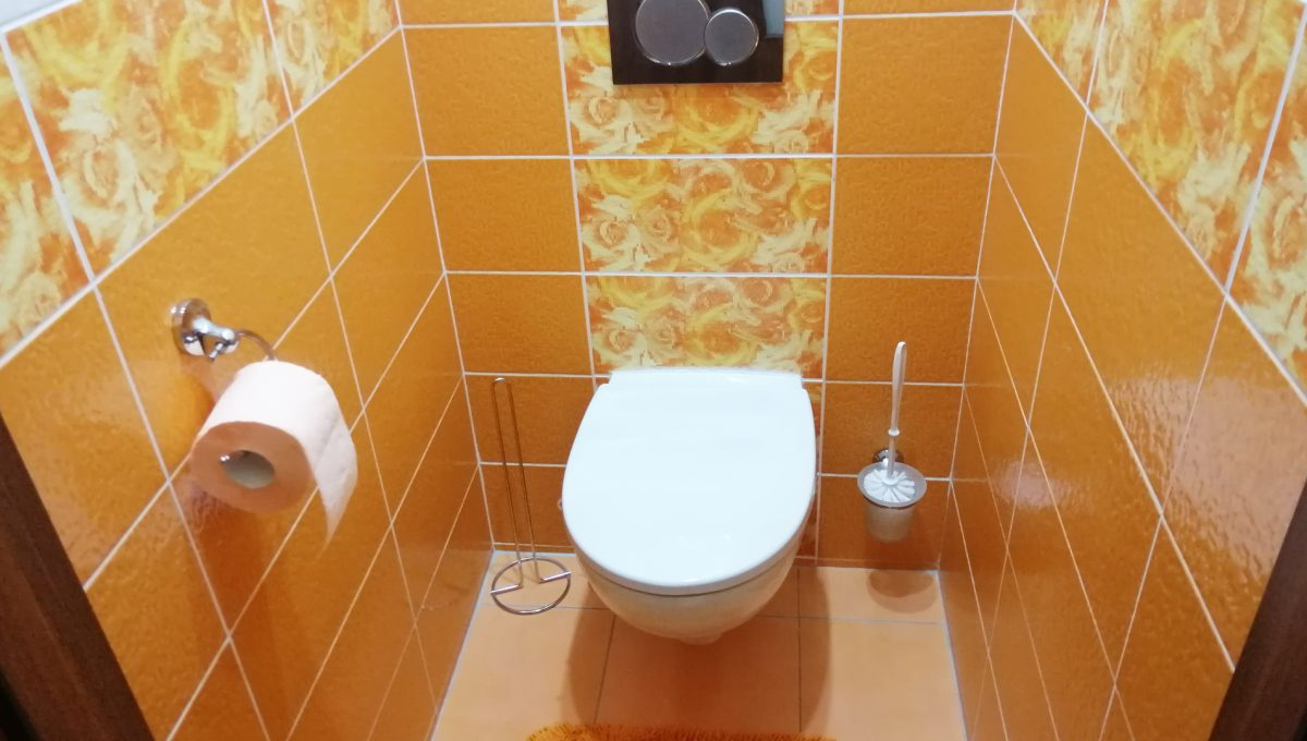 Senec 11 Namestie 3 izbovy byt na prenajom samostatna toaleta