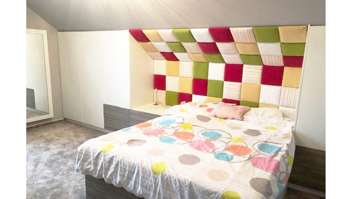 Senec 13 4-izbovy rodinny dom spalna velka postel