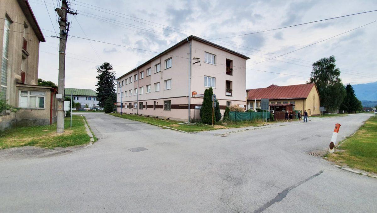 Turany 01 hotel penzion ubytovna s certifikovanou strelnicou pohlad na nehnutelnost z ulice