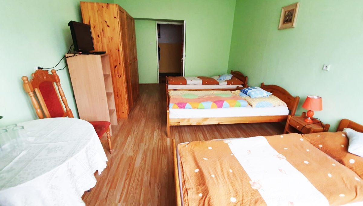 Turany 06 hotel penzion ubytovna s certifikovanou strelnicou pohlad na spalnu s lozkami